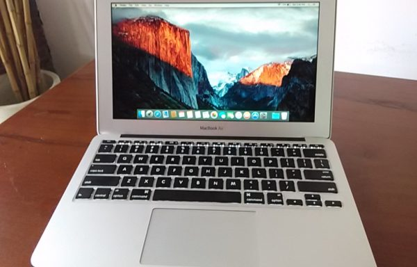 Macbook Air 2.2 ( 7,1 ) Early 2015 like new (Sold Out)
