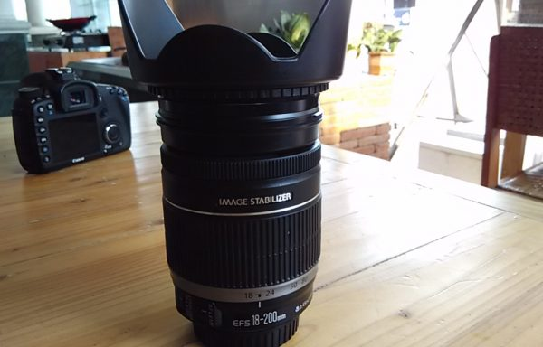 Lensa Canon 18-200mm IS like new (Sold Out)