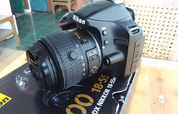 DSLR Nikon D3200 lensa 18-55mm VR Fulset (Sold Out)