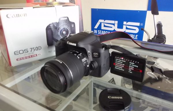 Canon 750D Lensa 18-55mm STM 24MP Wifi Like New Fullset (LAKU)