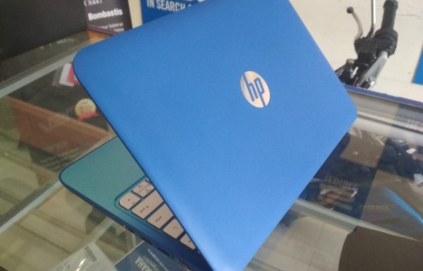 Netbook HP 11-d000nx 11.6in Slim Model Baru Mulus (LAKU)