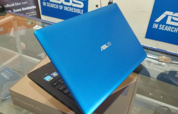 Netbook Asus X200Ca 11.6in Ram 4GB HDD 500GB (LAKU)