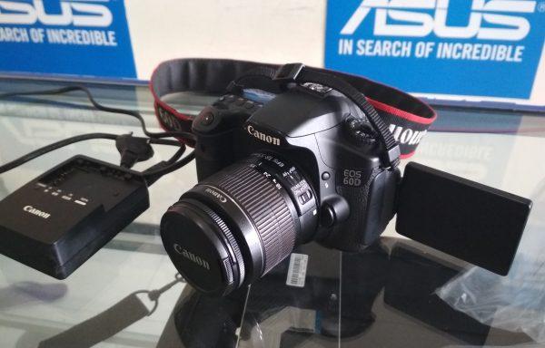 Canon 60D Lensa 18-55mm IS II Kondisi Bagus (LAKU)