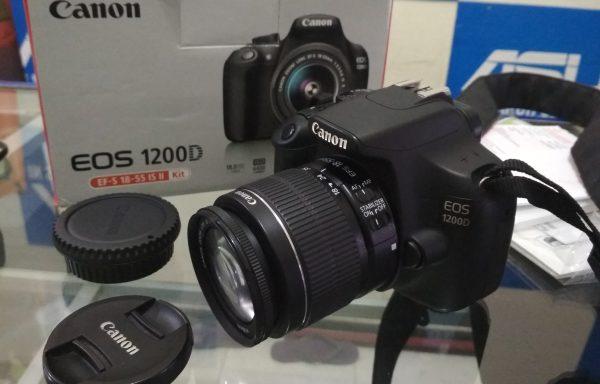 Kamera DSLR Canon 1200D lensa 18-55mm IS II Bagus Lengkap  (LAKU)