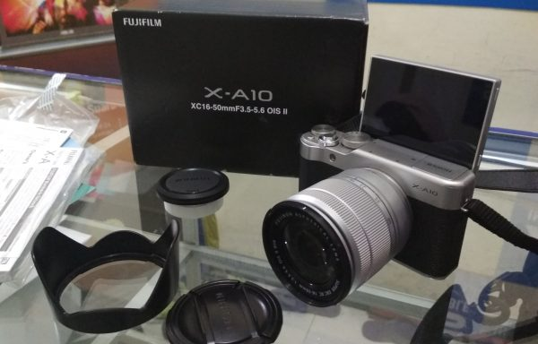 Kamera Mirrorless Fujifilm X-A10 Lensa 16-50mm Wifi Like New (LAKU)