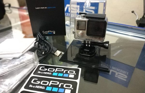 Gopro Hero 4 Silver Touchscreen Rekam 4K QHD dan Full HD (LAKU)
